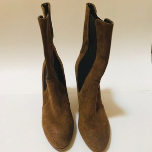 TALBOTS Tan Suede Boot